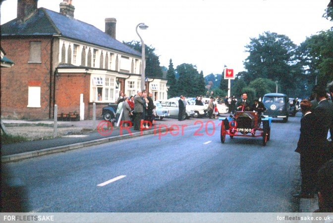 FLEET CARNIVAL 1964. Fleet Carnival procession going past the Prince of Wales Pub 1964.