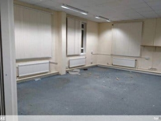 Taking a last look in and around Fleet Police Station as it closes its doors for the last time and the developers take over. 13 Crookham Road - September 2019.