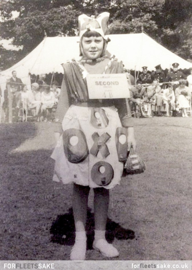 FLEET CARNIVAL 1960. History of Fleet Carnival Hampshire.